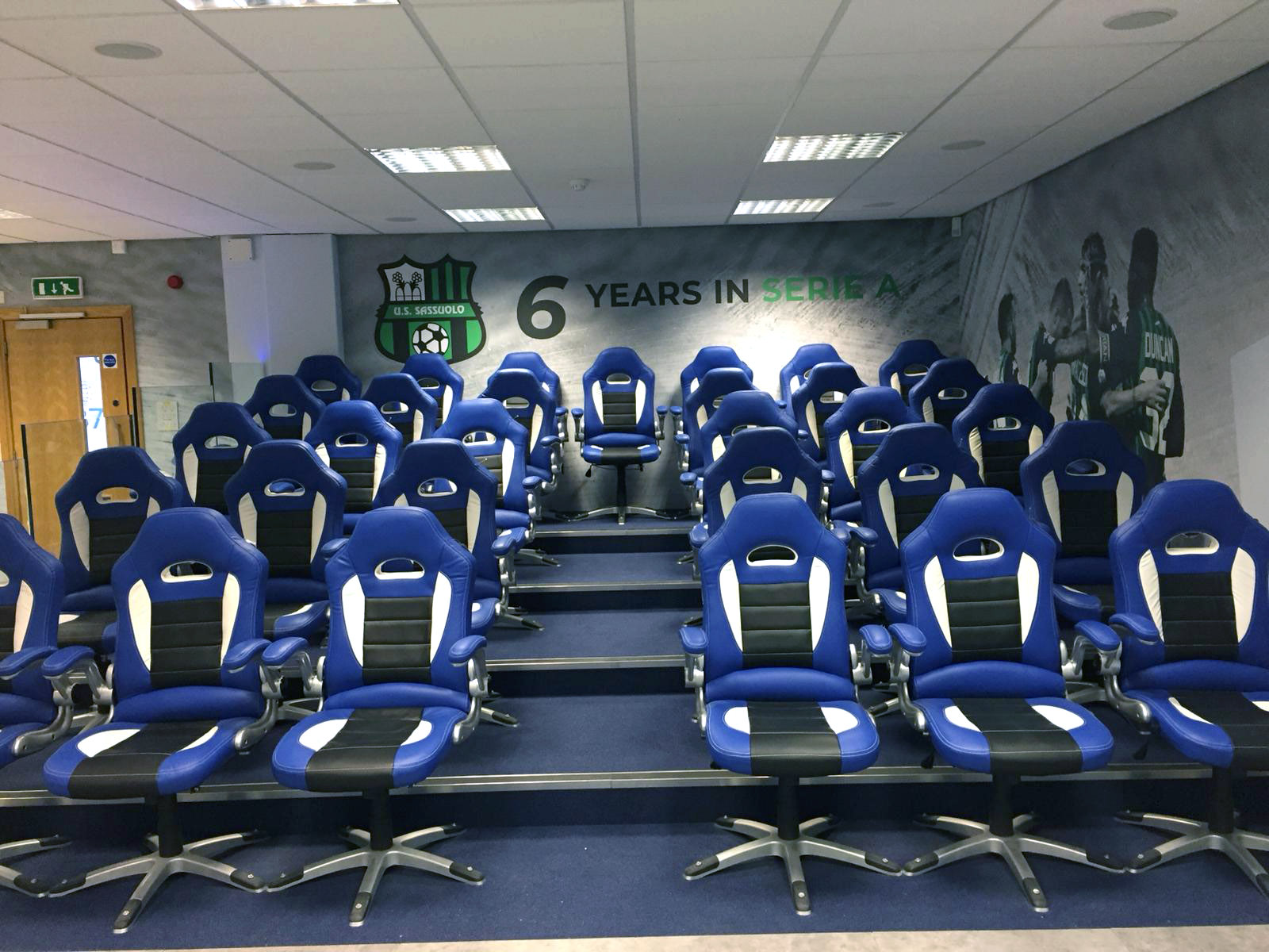Full Range Print Solutions Mapei Training Room Photo text wallpaper 8